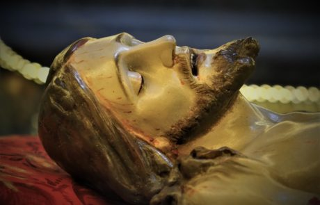 Dettaglio scultura del Cristo Morto